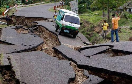 alemonde cata tremblement_terre-Philippines1