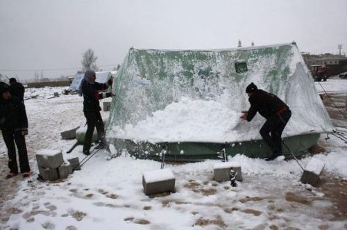 asyriesous-la-neige-dans-un-camp-de-refugies-au-liban-le-9-janvier-2013