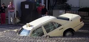 voiture-trou-300x142