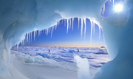 aArctic-ice-cave-001