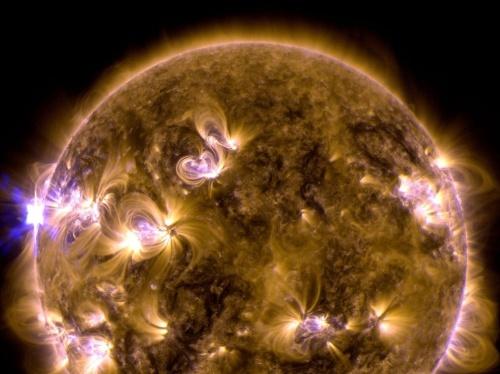 ano5866644.jpg erup sol
