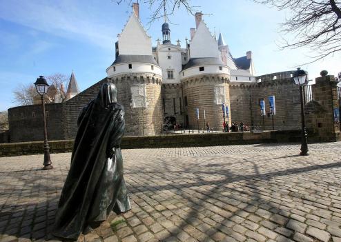 aanne de bretagne chateau entrée