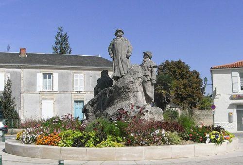 alemonde -Clemenceau_statue_001