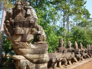 aAngkor-Thom-South-Gate--01---800x600-