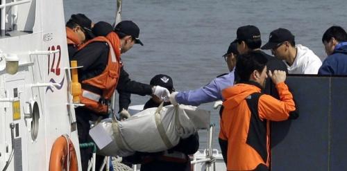 acorée-naufrage-en-coree-parents-rescapes-et-secouristes-traumatises