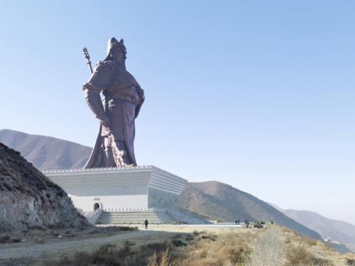 alemonde géant12-Guan-Yu-Statue_-Yuncheng-China-80-meters-262-ft-Built-in-2010