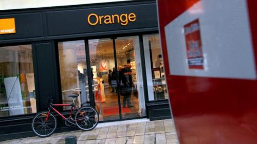 3928373.jpg orange