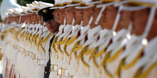 ajapon le mondedes-membres-de-la-garde-d-honneur-des-forces_81bd8ecd5257a9649adc6558da164dc3