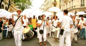 arefugiés parapluieEvenement_20140612-1-300x161