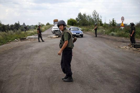 alemonde ukraine_des-militaires-ukrainiens-a-un-barrage-pres_349e316cdde4769f98f582ed8a991daa