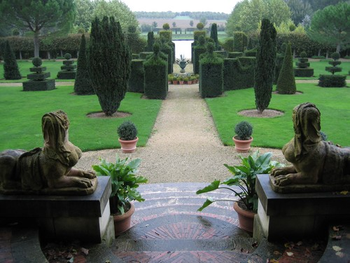 ajardin-le-jardin-du-batiment-516_1