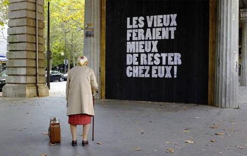 acroix-rougeMobilisation-en-faveur-du-maintien-a-domicile-des-personnes-agees_slideshow