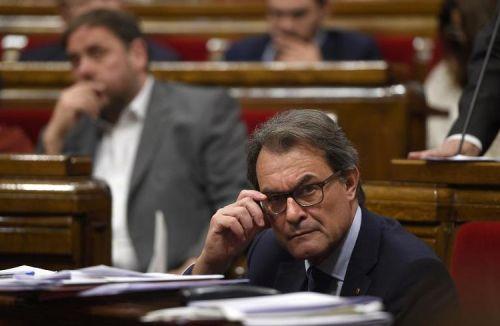 acatalognepresident-du-gouvernement-de-catalogne-artur-mas-le-15-octobre-2014-a-barcelone