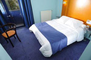 alemonde mur clic_tapez-hotels-paris-ou-hotels-barcelone-sur-un_56764c0aec2e3b6bb8410a4e7364986b