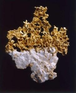 amineralogie-et-de-geologie-prepare-sa-reouverture-web-tete-0203857658546_660x810p