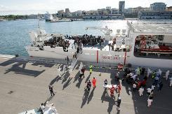 atv5réfugiés port2014