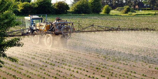 4337308_3_4363_la-pollution-due-a-l-emploi-des-pesticides-et_3a40978d4a09773dc586f2d953f26406