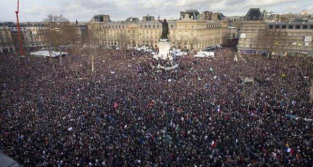 acharlieo_une-maree-humaine-historique-contre-la-barbarie-web-tete-0204072575125_660x352p