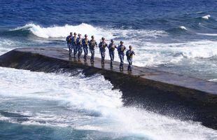 1341964_6_a075_des-soldats-de-la-marine-chinoise-patrouillent