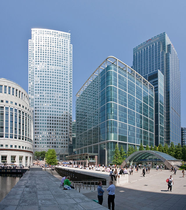 Canary_Wharf_Wide_View,_London_-_July_2009