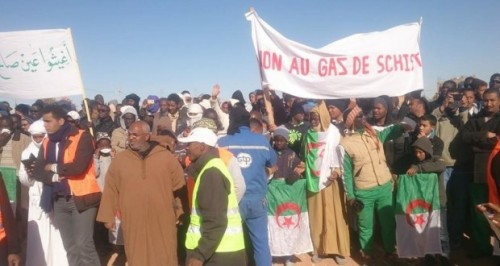 aalgerie-chiste-manif-620x330