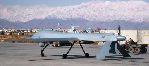 adrone-americain-predator-sur-la-base-afghane-de-bagram-le-27-novembre-2009_4519790