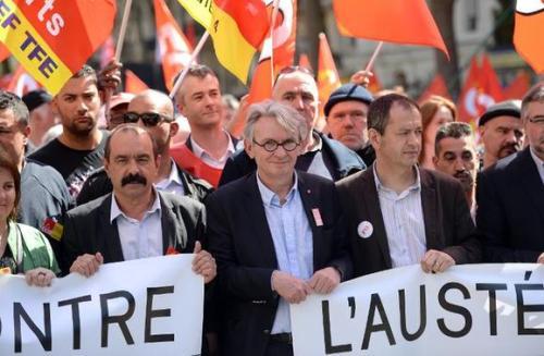 amanifDes-dizaines-de-milliers-de-manifestants-dans-la-rue-contre-l-austerite_slider
