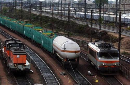 aNRPoitou-le-projet-d-autoroute-ferroviaire-abandonne_image_article_large