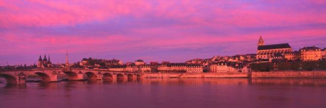 aBlois-france-Loir-et-Cher-La-Loire-a-Blois-panorama-sentucq_h