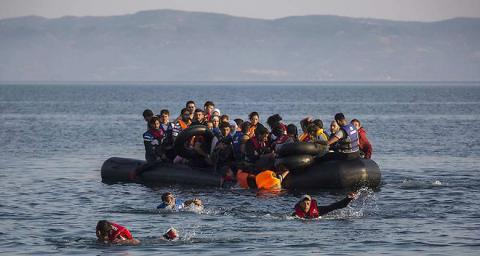 amigrants1142962_sur-les-iles-grecques-la-situation-honteuse-des-refugies-en-transit-web-tete-021251001575_660x352p