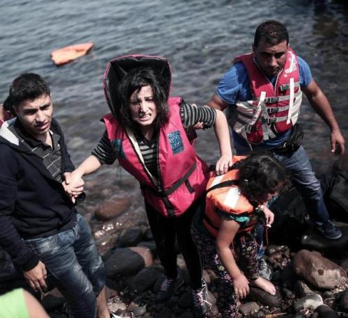 migrants débarquent en grèce