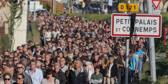 aFIentre-4-000-et-5-000-personnes-ont-defile-dans-les-rues-de_3289387_800x400