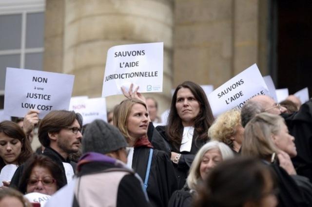 Aide-juridictionnelle-la-fronde-des-avocats-s-amplifie_article_popin