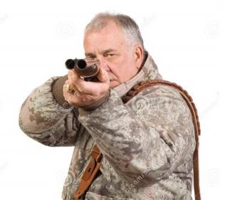chasseur-avec-le-fusil-de-chasse-4794909