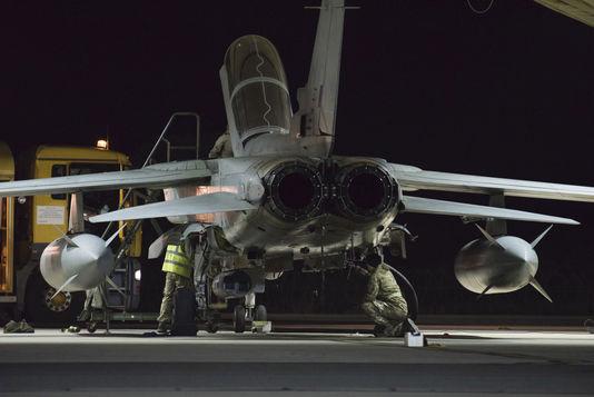 4822942_6_986a_des-avions-britanniques-sur-la-base-aerienne_f3460d11e3f1db5cc685368418695078