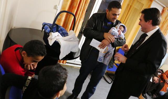 PHOTO PATRICK.GAIDA ARRIVEE DE REFUGIES SYRIENS A CHATEAUROUX