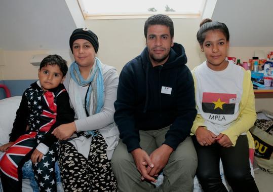 aNRPremier-reveillon-pour-une-famille-de-refugies-irakiens-en-France_slider