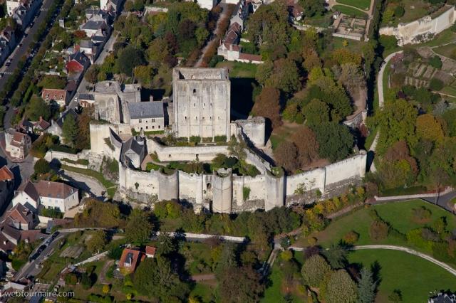 chateau-de-loches-37_l