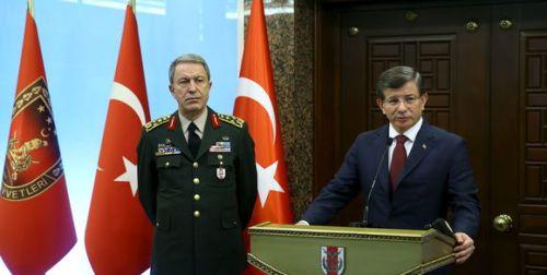 194632_3_5592_le-premier-ministre-turc-ahmet-davutoglu-accompa_f2f6d253e7794896bb5d56a87df7a55f