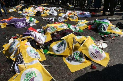 4787014_6_b87b_les-corps-des-victimes-de-l-attentat-d-ankara_d9f2f02580afc2e9e8aa775245fb49fc