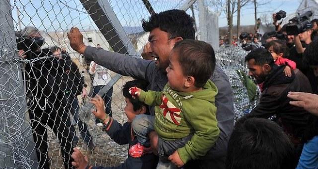 aréfugiés1202073_plusieurs-milliers-de-migrants-bloques-en-grece-web-tete-021716297673_660x352p