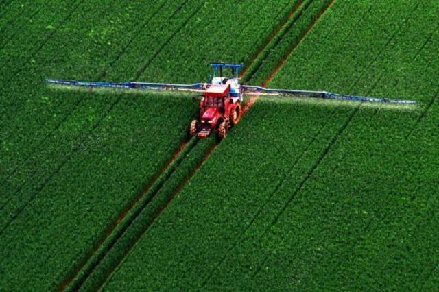 aNRLes-pesticides-du-champ-jusqu-aux-maisons_image_article_large
