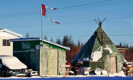 4907358_6_0d9f_dans-le-village-canadien-d-attawapiskat-plus_7ba7a5c5d6fe56ca1594bae41bdc43bc
