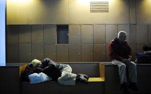 783655-exclusion-logement-social-sdf-gouvernement