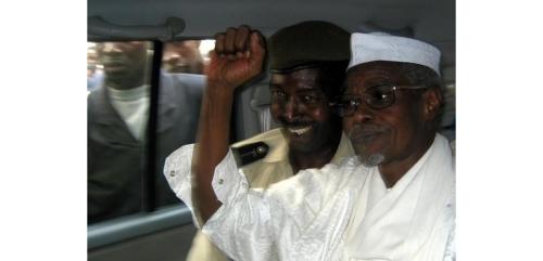 L'ancien président du Tchad Hissène Habré a été condamné à la réclusion criminelle à perpétuité lundi par une juridiction africaine ad hoc qui l'a reconnu coupable de crimes contre l'humanité, torture et crimes sexuels lorsqu'il était à la tête de son pays entre 1982 et 1990. /Photo d'archives/REUTERS/Aliou Mbaye