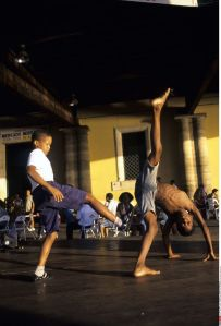 4911279_6_62f1_demonstration-de-capoeira-a-salvador-de_5fa91d85ac52531479916a0531fff09b