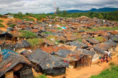 Birmanie1071296-familles-accueillies-quebec-viennent-camp