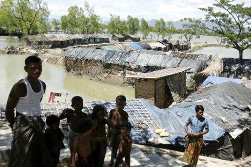 Birmanie_un-camp-de-refugies-rohingyas-a-cox-s-bazar_b7075d2dfacb0871c508aaeeca689790