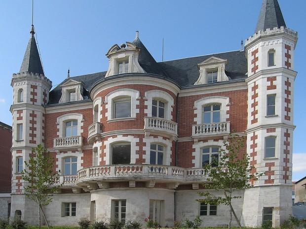 chateau-villette-chocolaterie-poulain-blois-pepsiline-flickr-620x465