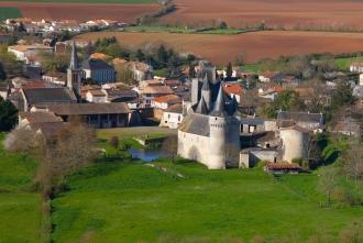 tourisme-chateau-de-cherveux-6867